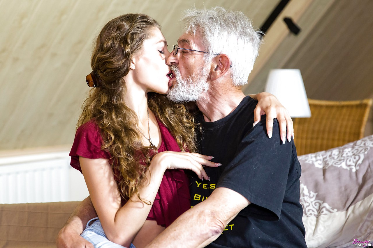 Sex with young and old, sexo en linea gratis